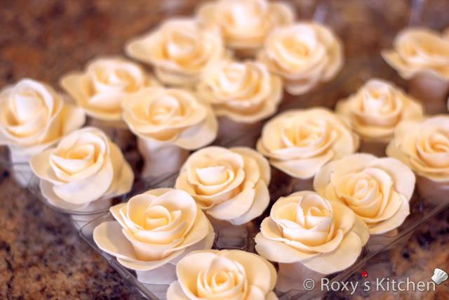 گل رز با خمیر فوندانت