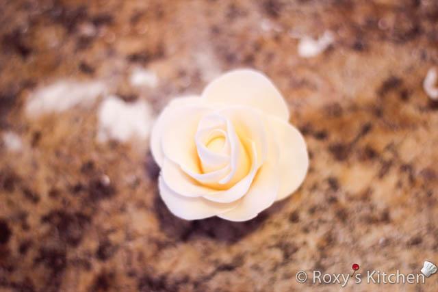 گل با خمیر فوندانت